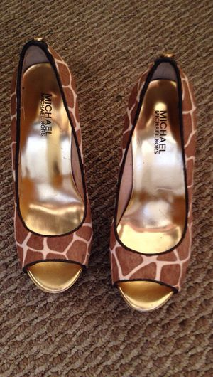 Michael Kors Giraffe print heels for Sale in Philadelphia, PA