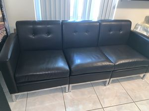 Leather Couch for Sale in Fort Lauderdale, FL