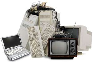 Will pick up old electronics for free for Sale in Pottsville, PA