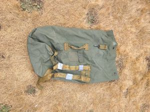 Army duffle bag for Sale in BETHEL, WA
