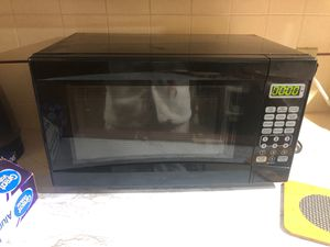 Microwave good condition for Sale in Fresno, CA