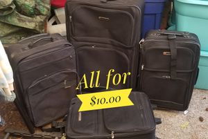 4 suitcases for 10bucks for Sale in Tacoma, WA