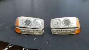 04 GMC Sierra head lights and turn signal lights for Sale in Riverside, CA