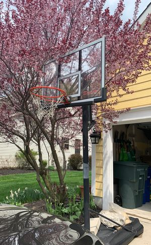 Basketball Hoop for Sale in Hilliard, OH