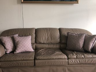 Sofa with Pull Out Bed for Sale in St. Cloud,  FL