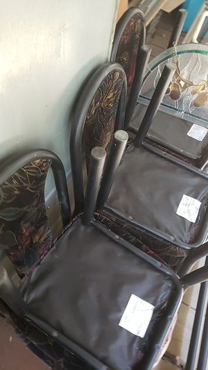 Dining room table and chairs for Sale in Tempe, AZ