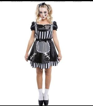 BROKEN GOTHIC DOLL GIRLS 12/14 for Sale in Moreno Valley, CA