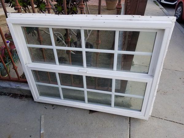 Dual pane vinyl window