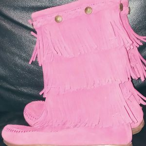 MINNETONKA 3-TIER SUEDE FRINGE BOOTS for Sale in Modesto, CA