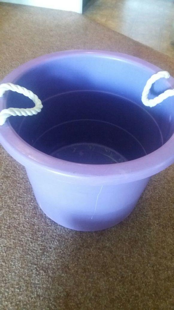 Dolly tub