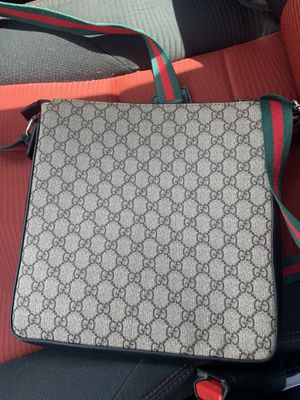 Gucci Messenger Bag for Sale in Concord, NC