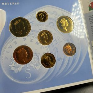 1991 Great Britain Brilliant Uncirculated 7 World Coin Set for Sale in Chicago, IL
