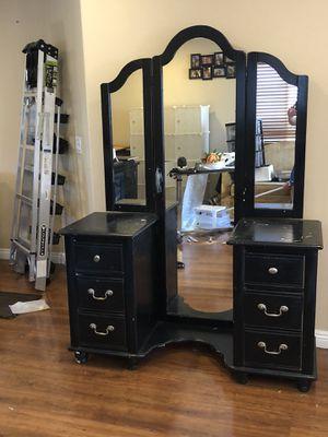 FREE Dresser for Sale in Las Vegas, NV