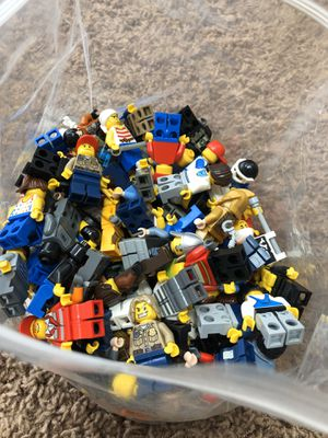 137 great lego minifigures for Sale in Raleigh, NC