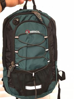 Hiking backpack for Sale in Fountain Valley, CA