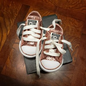 Toddler Rose Gold Converse Size 2 for Sale in New Bern, NC