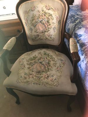 Antique chair. for Sale in Ruskin, FL