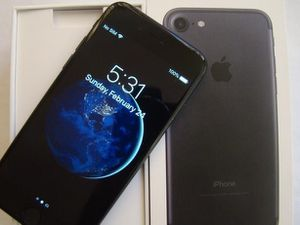 NEW IN BOX APPLE iPHONE 7 32GB UNLOCKED VERIZON AT&T T-MOBILE CRICKET for Sale in Fresno, CA