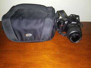 Nikon D3000 Comes extra battery and bag for Sale in Fontana, CA