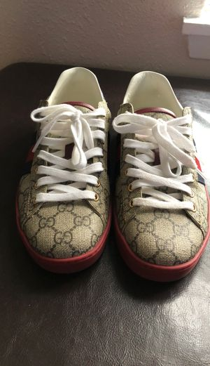 Men's Gucci Shoes size 8 for Sale in Baytown, TX