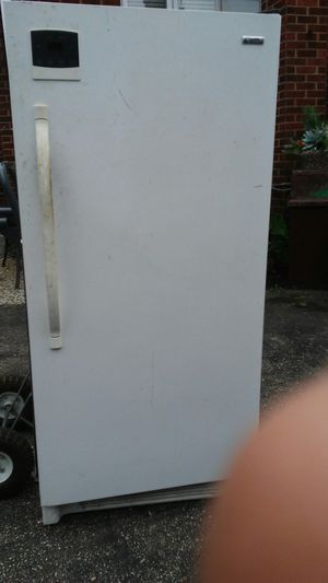 Standing frost-less freezer for Sale in Homestead, PA