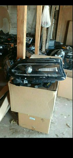 2015-2020 dodge charger headlight full LED RH OEM for Sale in Dallas,  TX