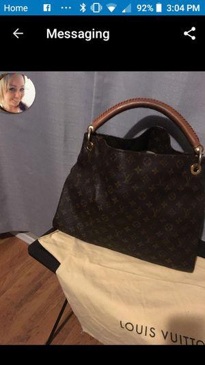 Louis Vuitton artsy GM hobo bag for Sale in Phoenix, AZ