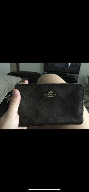 Coach wristlet for Sale in Fort Mitchell, AL