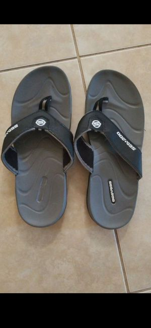 SZ 10 MENS SEA DOO FLIP FLOPS LIGHTLY USED! for Sale in Delray Beach, FL