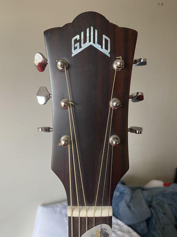 Guild OM-240CE Acoustic Electric Guitar