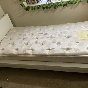 Twin Size Bed Frame And Mattress for Sale in Des Moines, WA