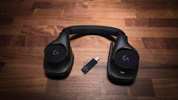 New logitech g533 wireless gaming headphones, must see!!!