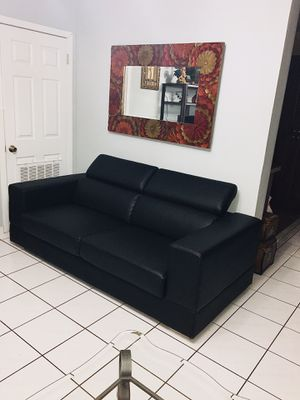 Sofa for Sale in Coral Gables, FL