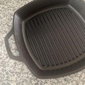 Cast Iron Grill Pan for Sale in Miami, FL