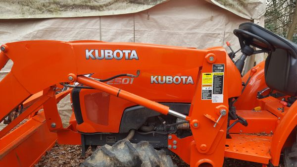2017 kobuta l 2501 only 5 hours
