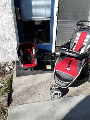Eddie Bauer car seat, base, and stroller for Sale in Council Bluffs, IA