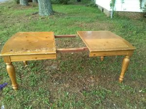 Kitchen table, 60,dollers real heavy comes apart.... for Sale in Rocky Mount, NC