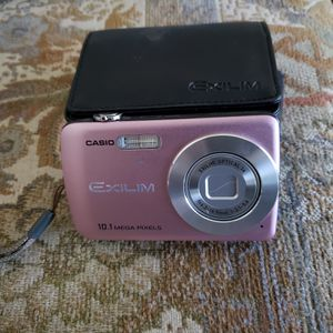 Casio digital camera with case for Sale in Fort Wayne, IN