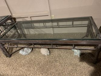 Long coffee table, made by same company as side table for Sale in Riverdale,  IA