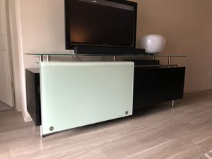 TV stand/Credenza for Sale in Austin, TX