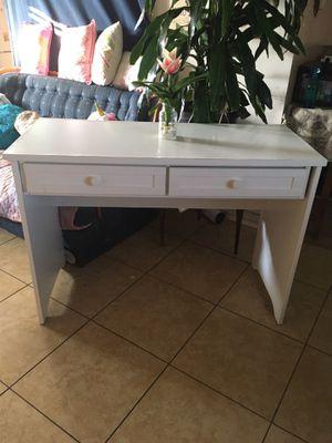 Good desk for Sale in Highland, CA