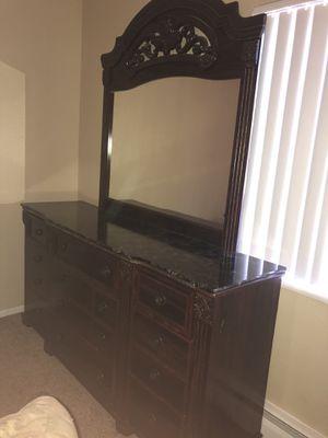 Queen bedroom set for Sale in Colorado Springs, CO