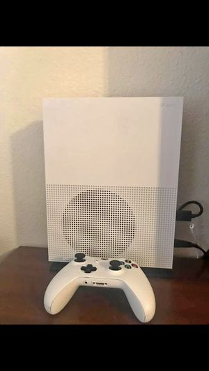 Xbox One S 1TB with controller and 1 game for Sale in Vienna, VA