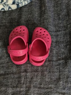 Bright Pink Baby Crocs Size 4 for Sale in Buffalo Grove,  IL