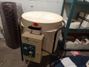 Ceramic kiln and lots of molds for Sale in Quincy, IL