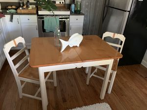 Vintage Kitchen Table solid wood and 4 matching chairs for Sale in Palm Harbor, FL