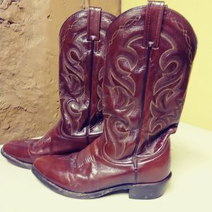 MENS WESTERN BOOTS Sz 8.5 for Sale in Atlanta, GA