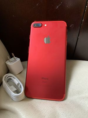 iPhone 7 Plus just like NEW with EXCELLENT CONDITION ( FACTORY UNLOCKED) for Sale in Fort Belvoir, VA
