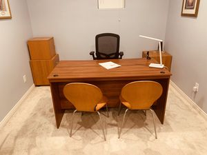 Desk Set with Hutch for Sale in San Marcos, CA
