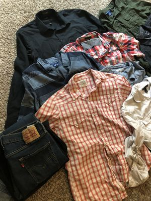 Ropa de hombre size L for Sale in Fort Worth, TX